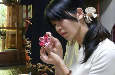 京都でつまみ細工体験