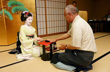 祇園の舞妓さんのお座敷遊び