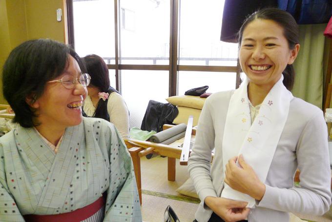 京刺繍で和小物作り体験。一針の緊張感を味わおう♪