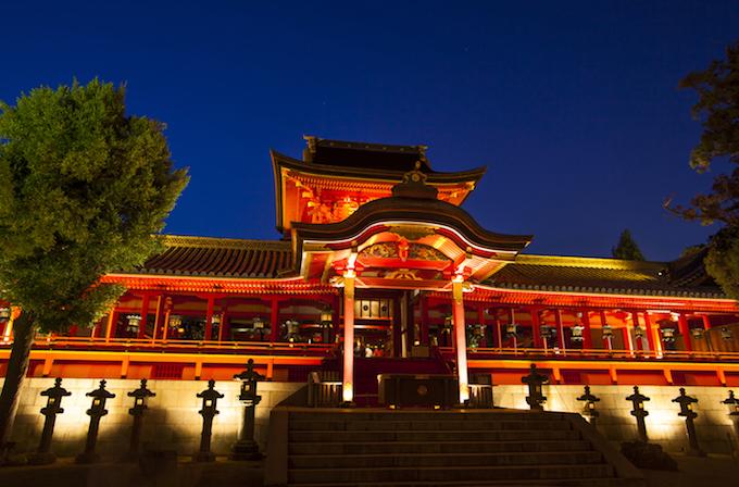 石清水八幡宮の夜桜ライトアップ