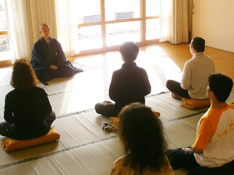 退蔵院の僧侶